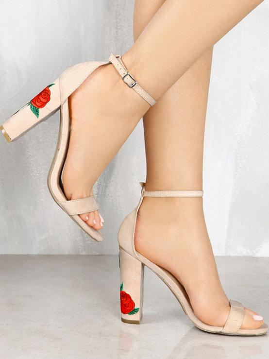 Pretty Embroidered Chunky Heels Shoes - Zebrant