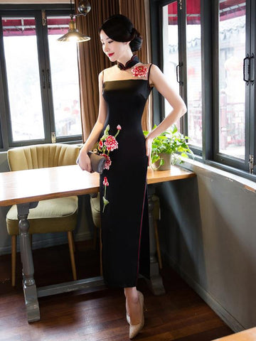 Black Hollow Embroidered Stand-collar Long Cheongsam - Zebrant