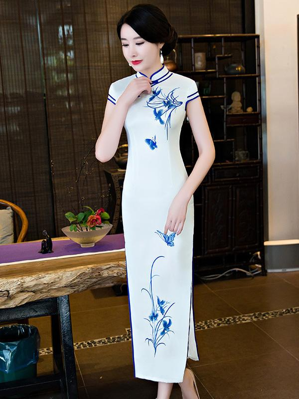 White Embroidered Split-side Long Cheongsam - Zebrant