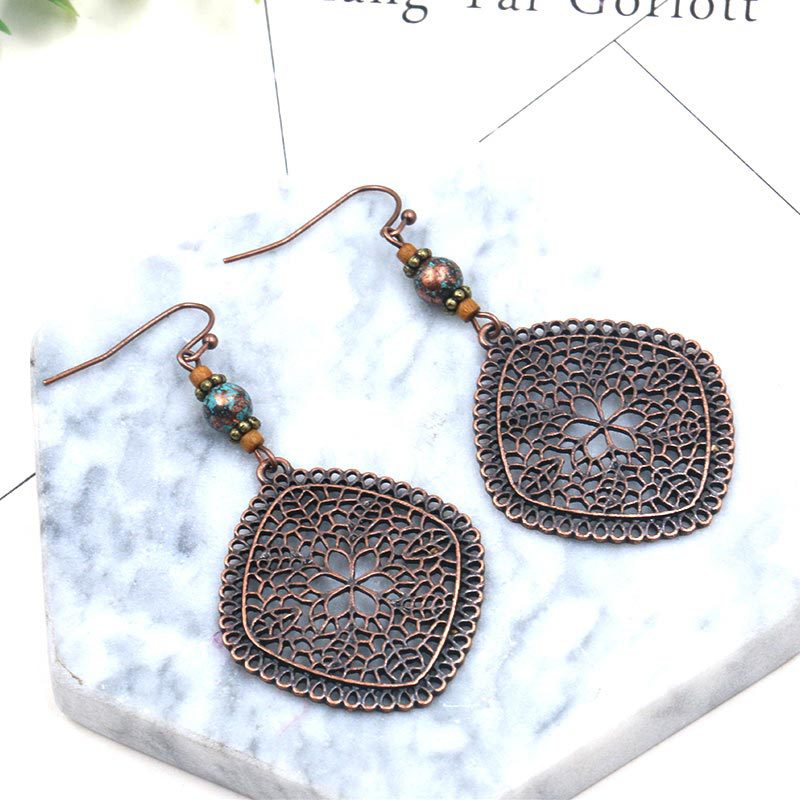 Diamond shaped pine stone vintage ethnic earrings - Zebrant