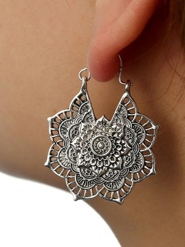 Vintage Hollow Alloy Flower Earring Accessories - Zebrant