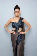 AMRUTA KHANVILKAR IN STRUCTURED BOW CORSET WITH A DRAPED SKIRT