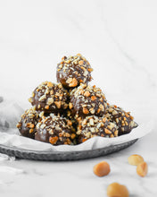 Load image into Gallery viewer, Macadamia Chocolate Protein Balls