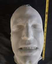 Load image into Gallery viewer, Ben Affleck Batman life mask life cast