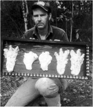 Load image into Gallery viewer, 1974 Honey Island Swamp Monter Track Cast Replica footprint impression