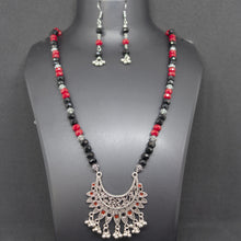 Load image into Gallery viewer, Black and Red Crystal Necklace