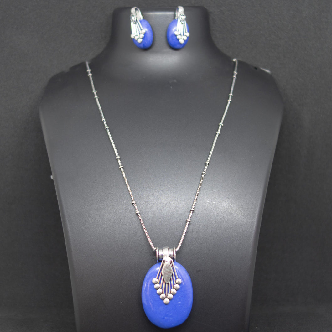 Oval Pendant and earring - Blue