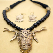 Load image into Gallery viewer, Dhokra Deer Head Black - Inspired Creations