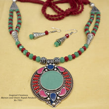 Load image into Gallery viewer, Maroon and Green Nepali Pendant