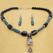 Load image into Gallery viewer, Blue Printed Beads necklace