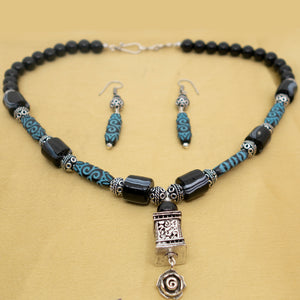 Blue Printed Beads necklace