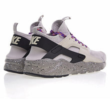 Load image into Gallery viewer, Women's Nike AIR Huarache
