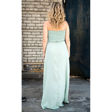Load image into Gallery viewer, Evelyn Off The Shoulder Slit Dress