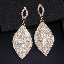 Load image into Gallery viewer, Classic Large Drop Earrings