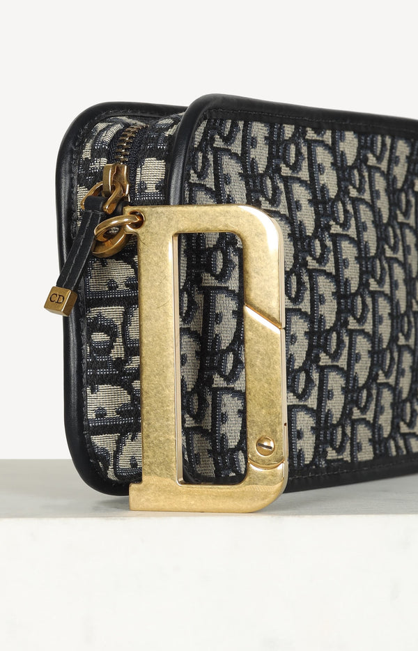 Diorquake clutch in blue / black / beige