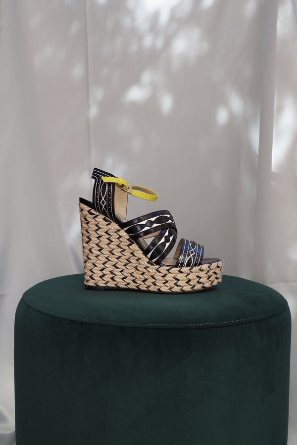 Wedge sandals with raffia heel