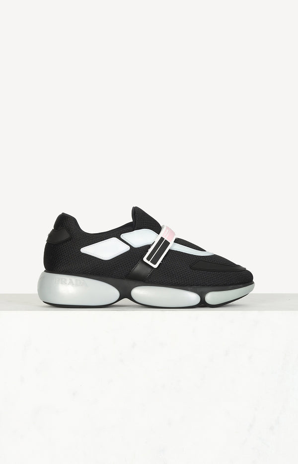 Cloudbust sneaker in black / gray / pink