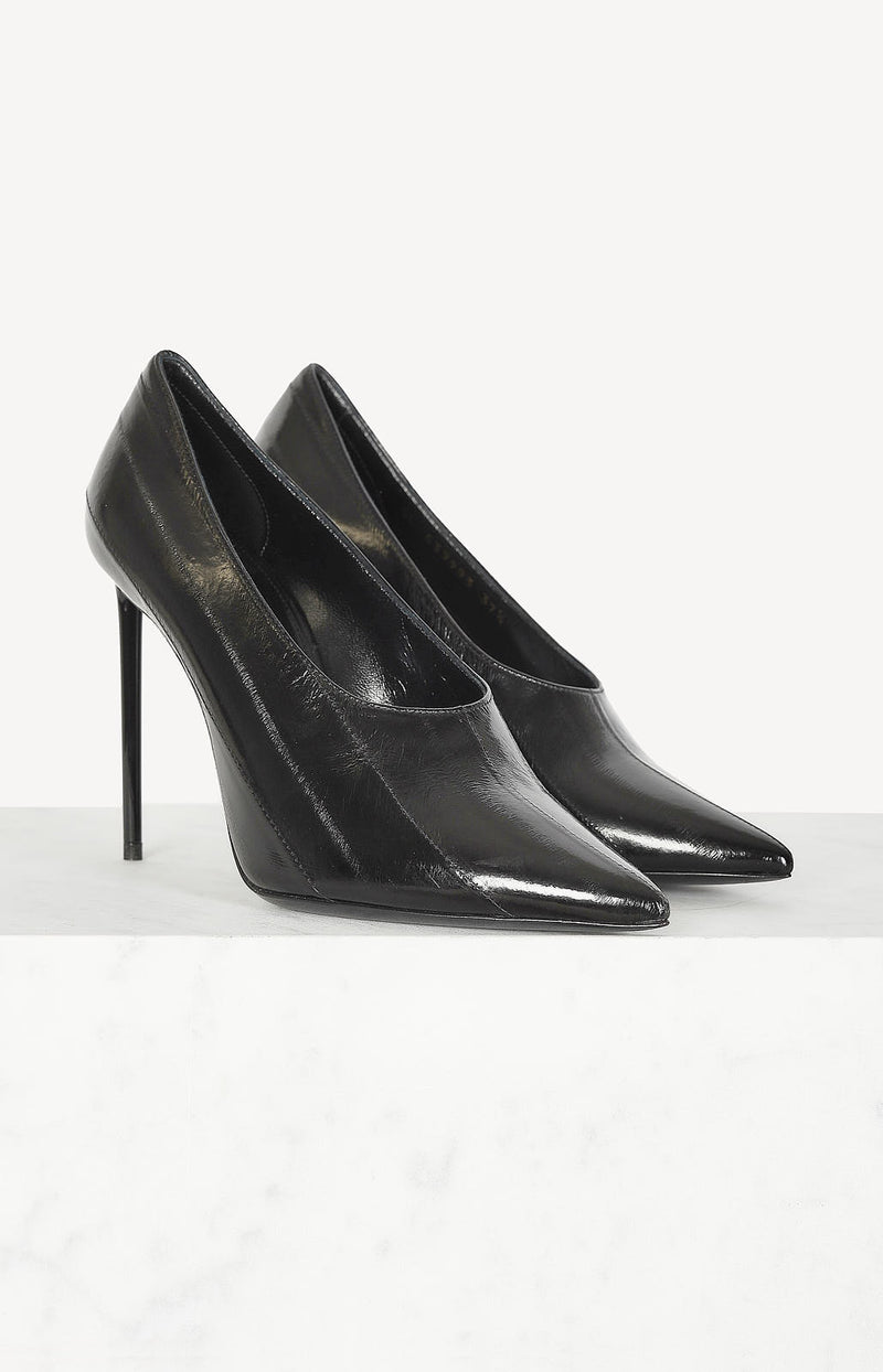 Lack-Pumps in Schwarz