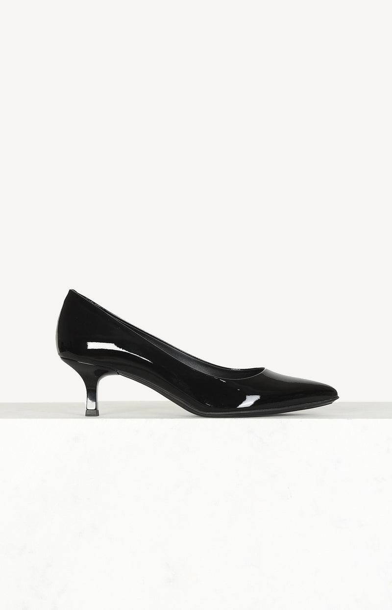 Lackleder-Pumps in Schwarz