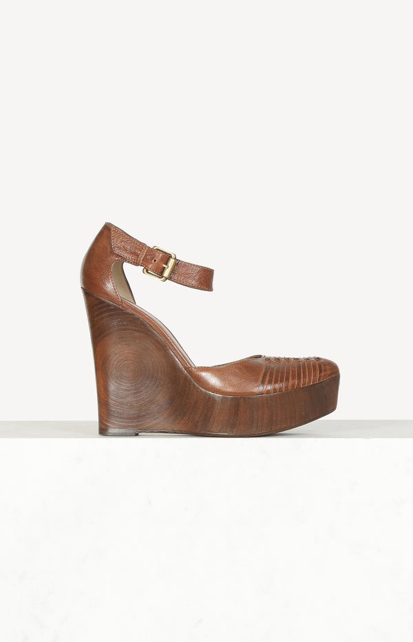 Leather wedges in brown