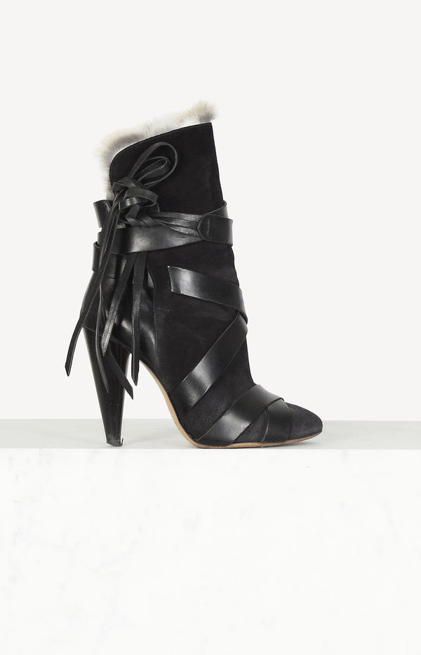 Neta ankle boots in black