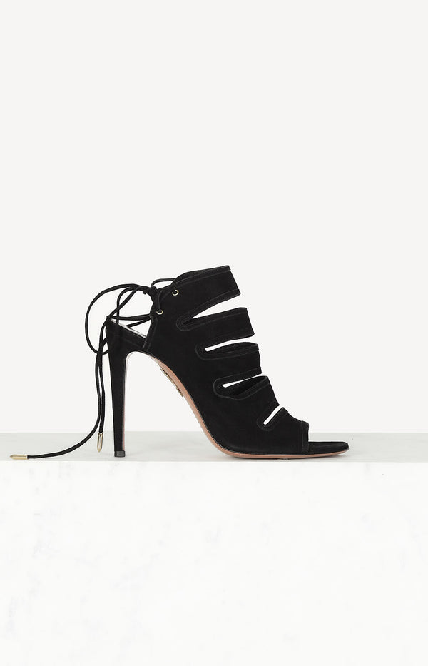 Sloane pumps in black