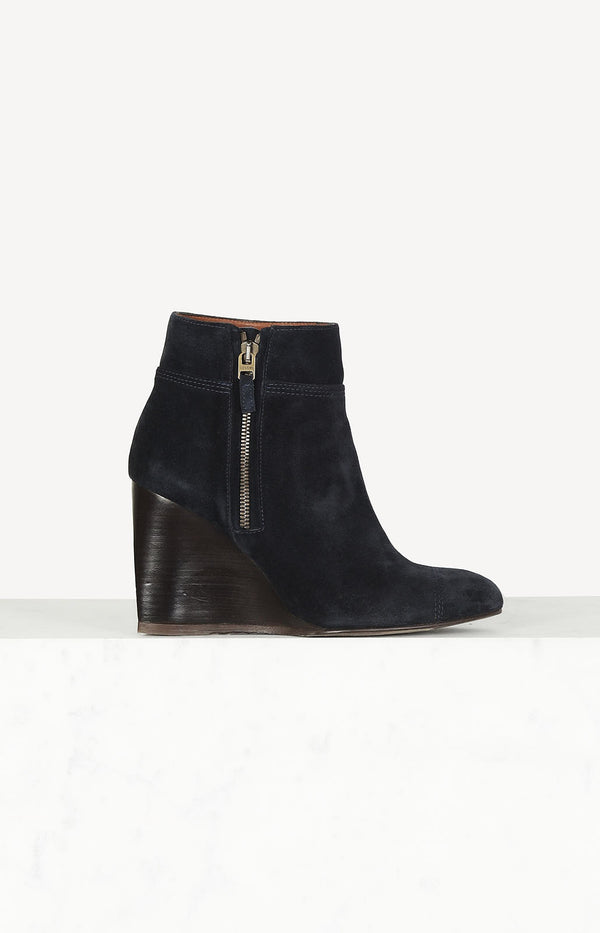 Suede ankle boots in dark blue