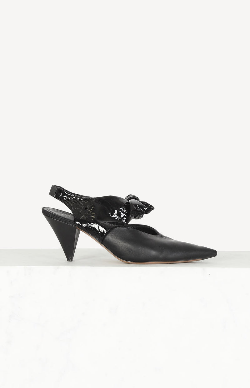 Slingback-Pumps in Schwarz