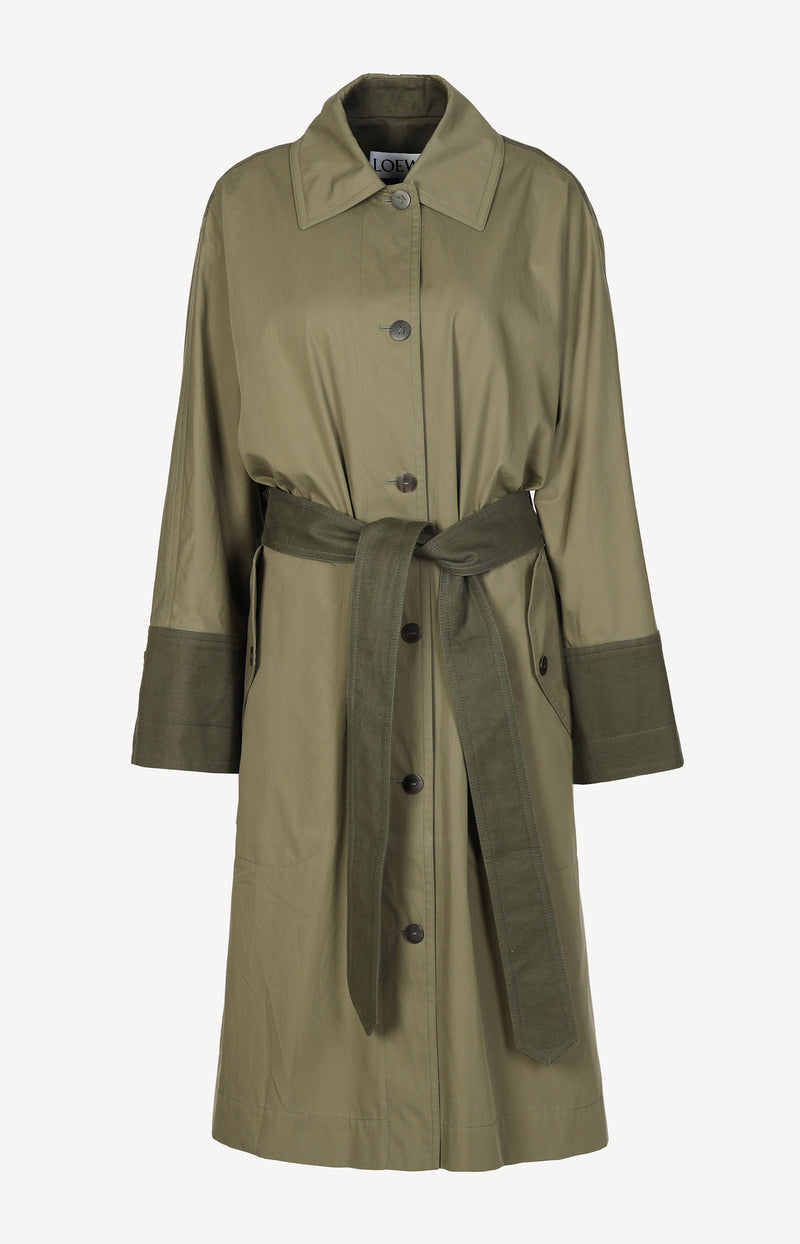 Trenchcoat in Military Green