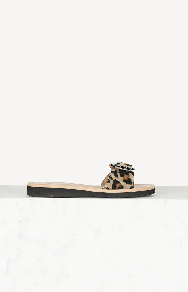 Sandals with leopard straps