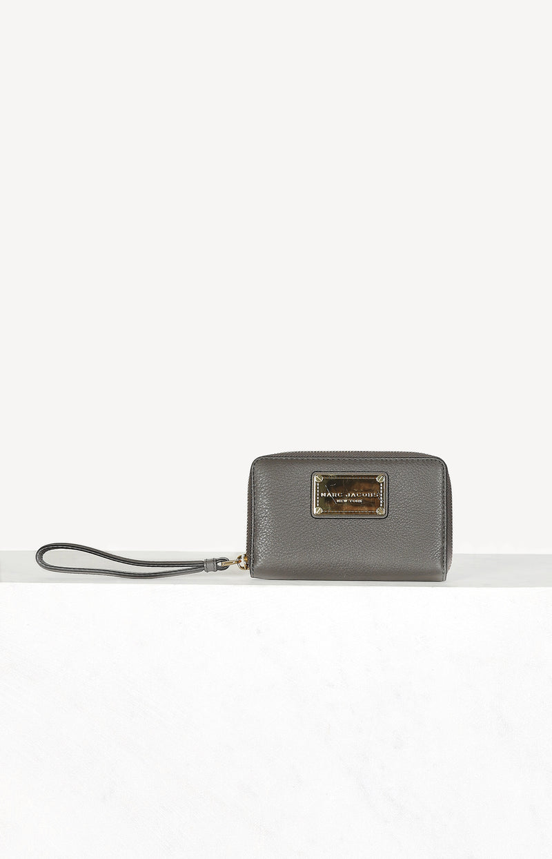 Small wallet in dark taupe