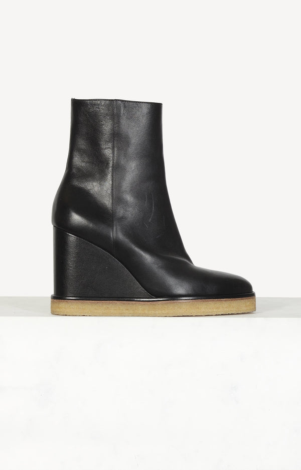 Boots Manon in black