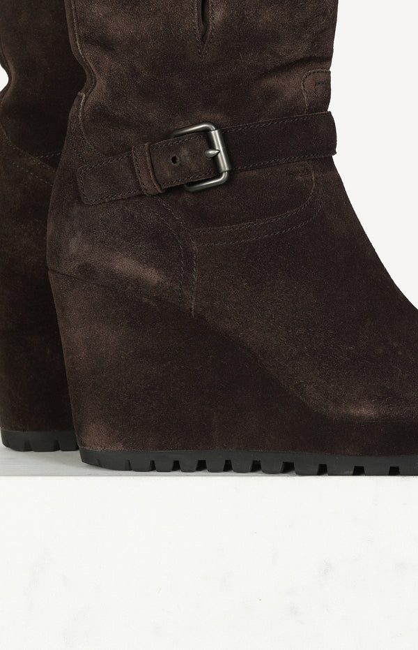 Wedge Stiefelette in Suede Brown