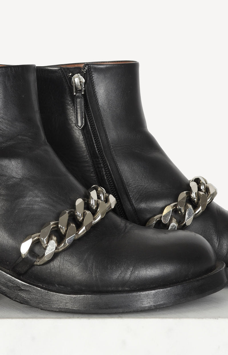 Boots Chain in Schwarz