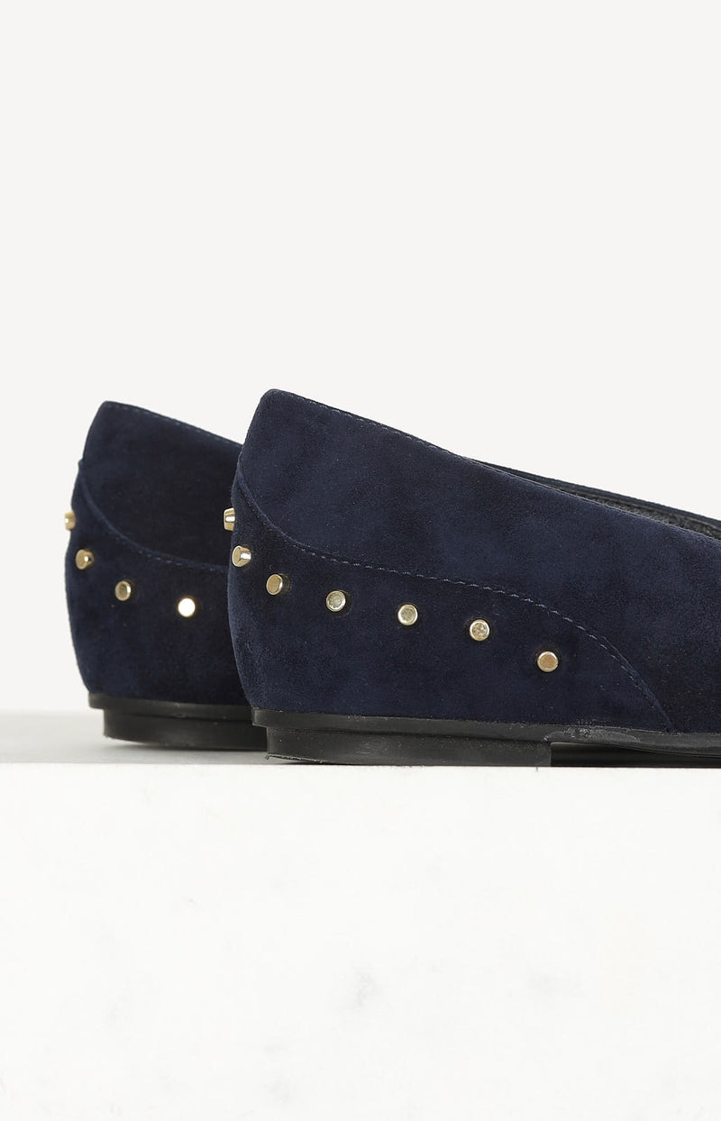 Studded Ballerinas in Blau
