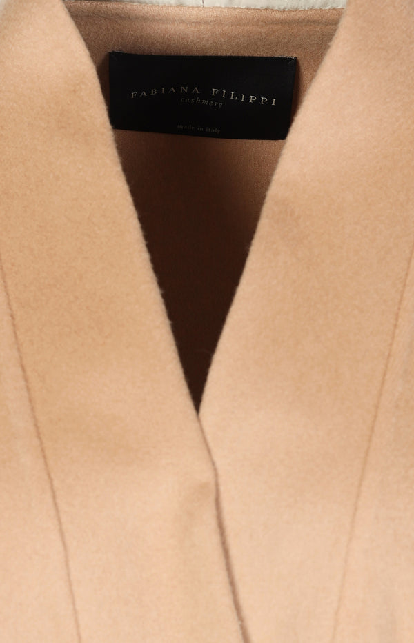 Cashmere coat in nude