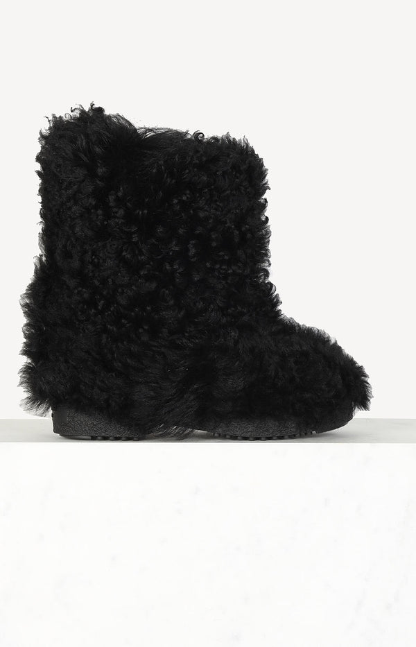 Shearling Boots in Schwarz