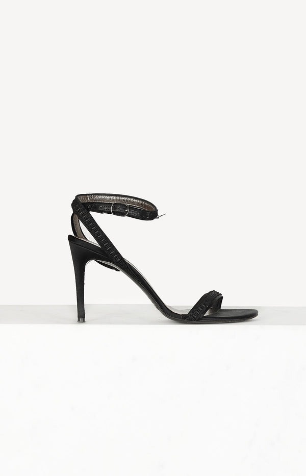 Sandals with strap in black
