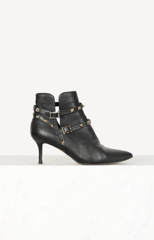 Rockstud ankle boots in black