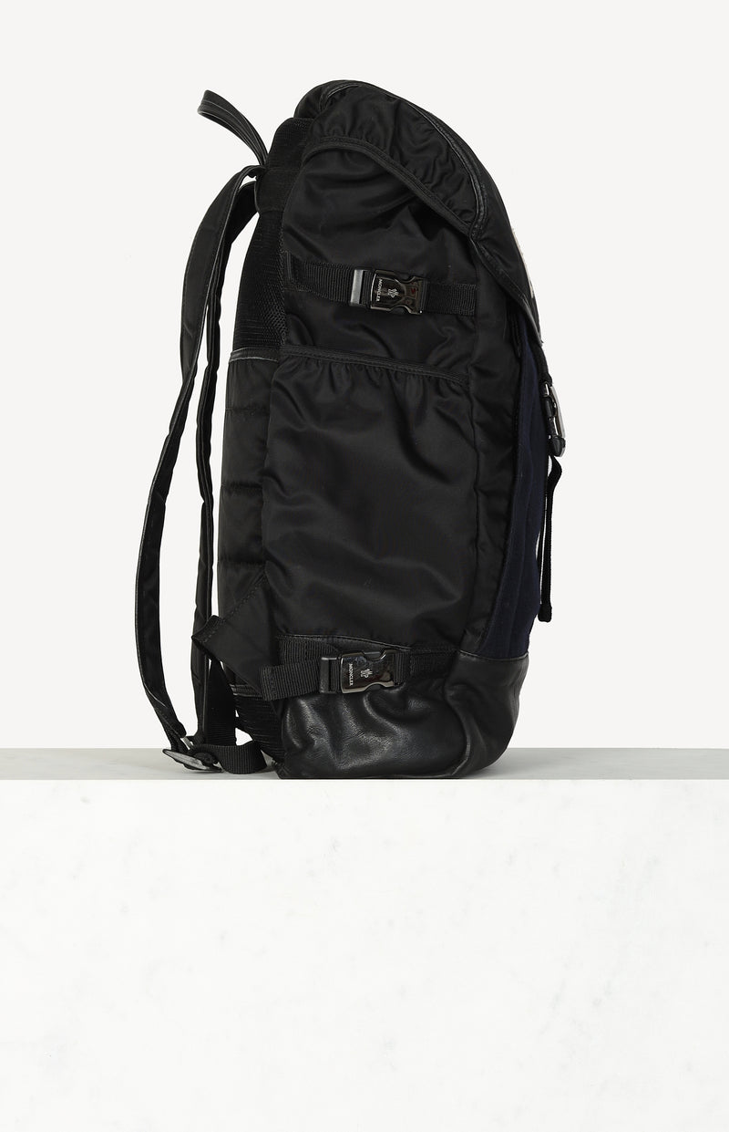 Nylon backpack in black / navy