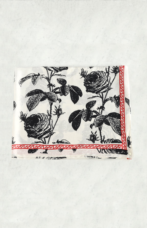 Scarf with flowers in black and white