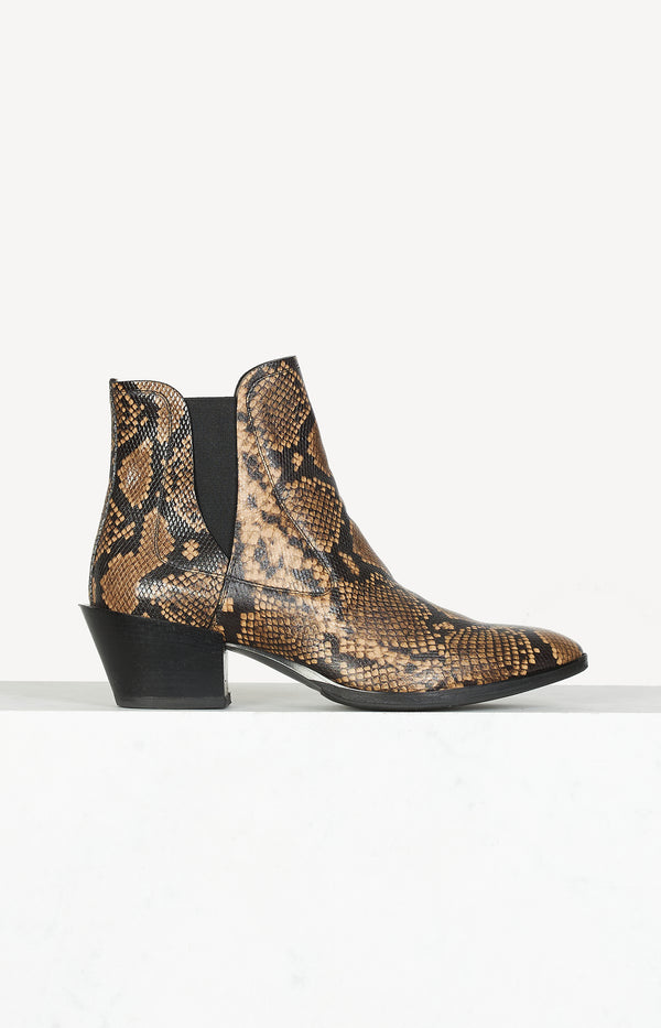 Ankle boots with snake print in black / camel