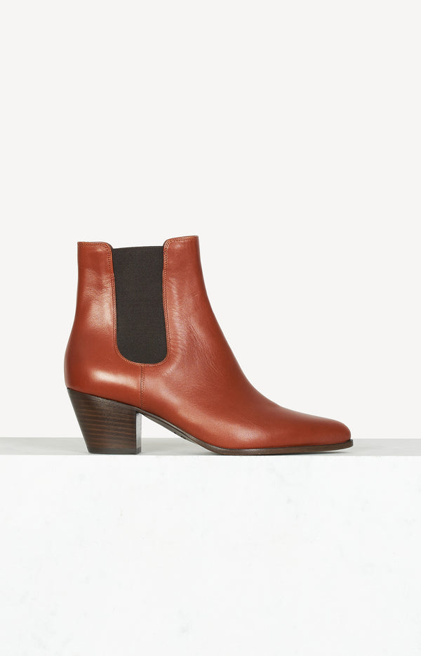 Pointed Chelsea Boots 55 in cognac