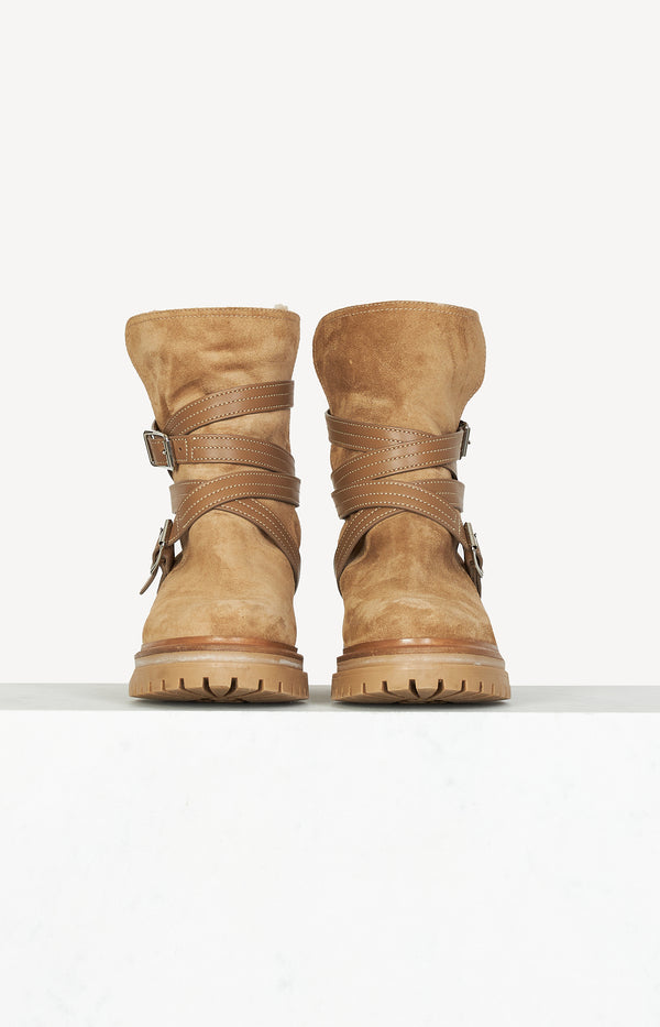 Boots with faux fur in camel