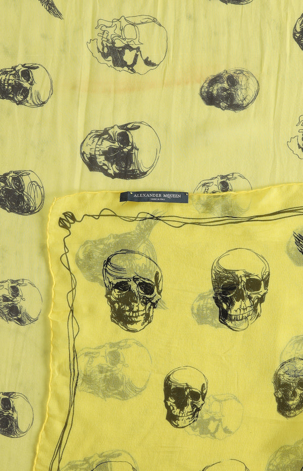 Silk scarf with skull print in yellow