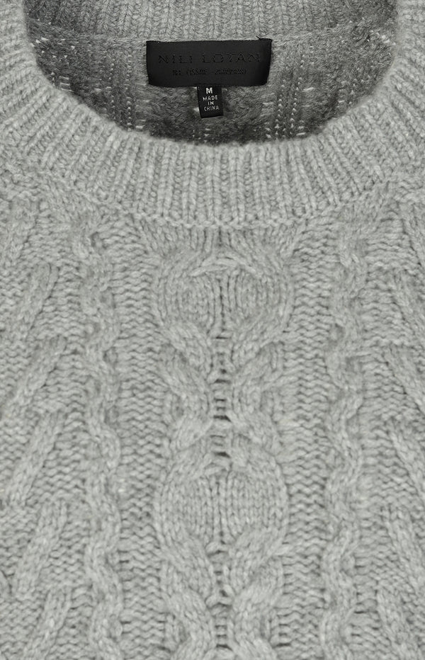 Cashmere sweater with cable pattern in gray
