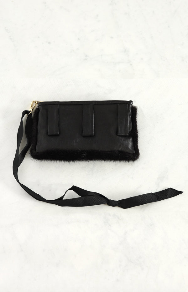Belt bag with mink in black