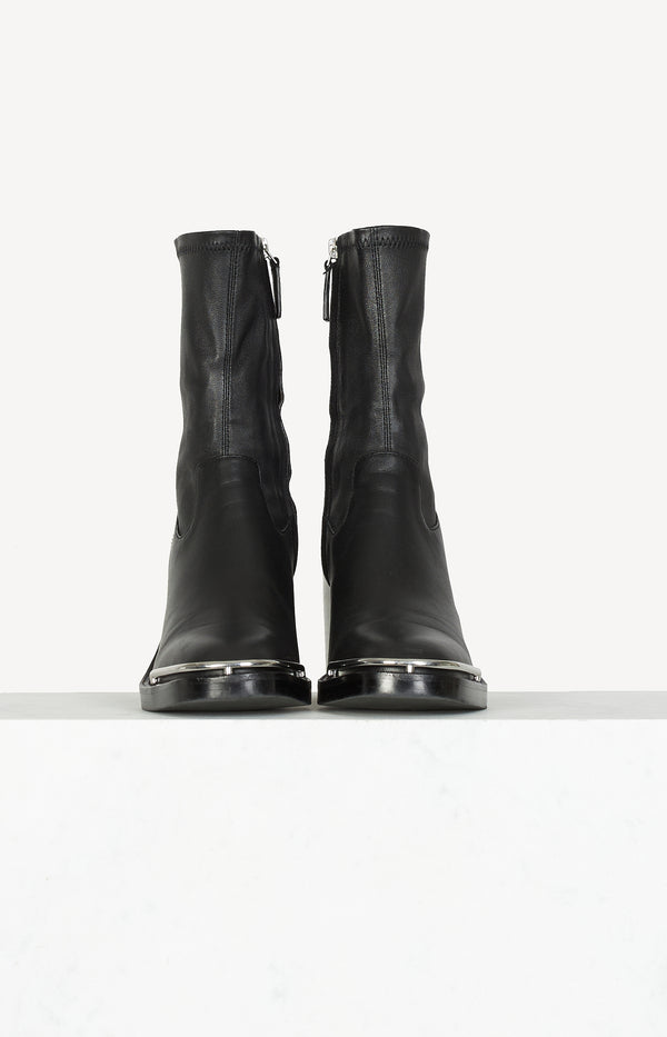 Hailey Chelsea boots in black