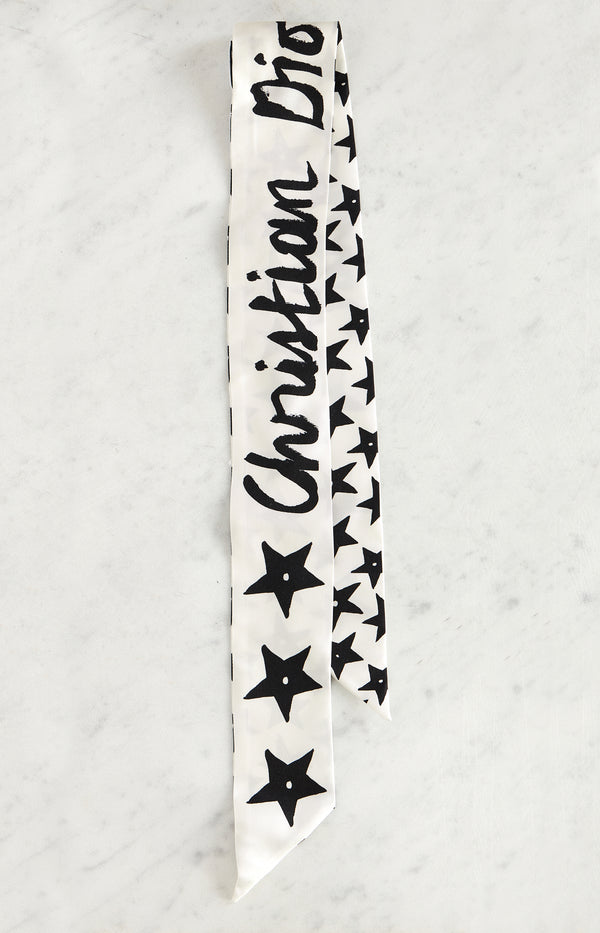 Silk scarf with star print in white / black