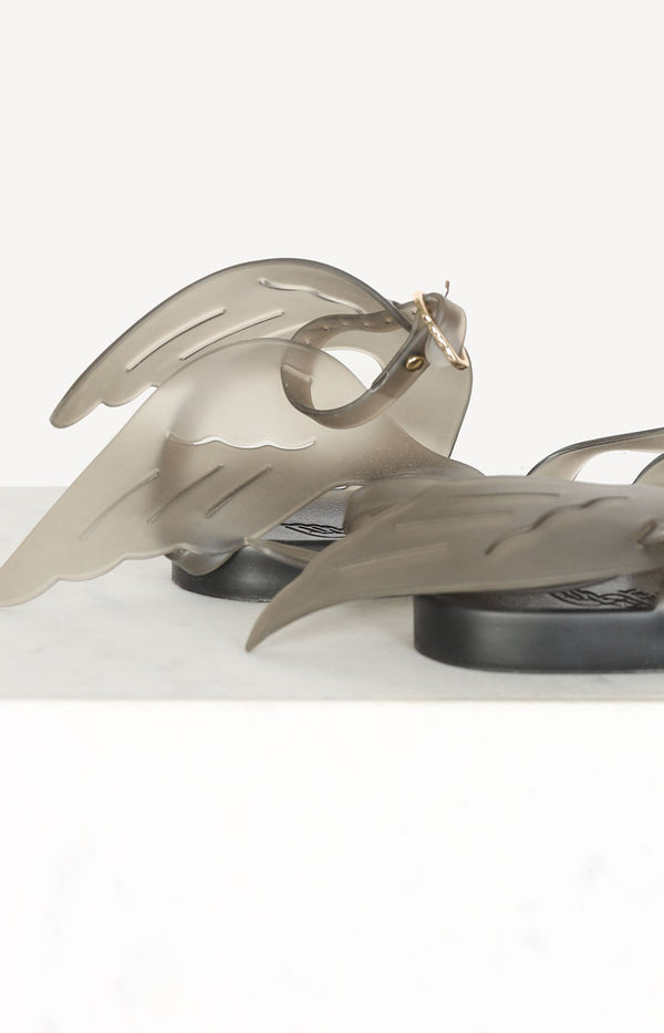 Sandals with wings in gray